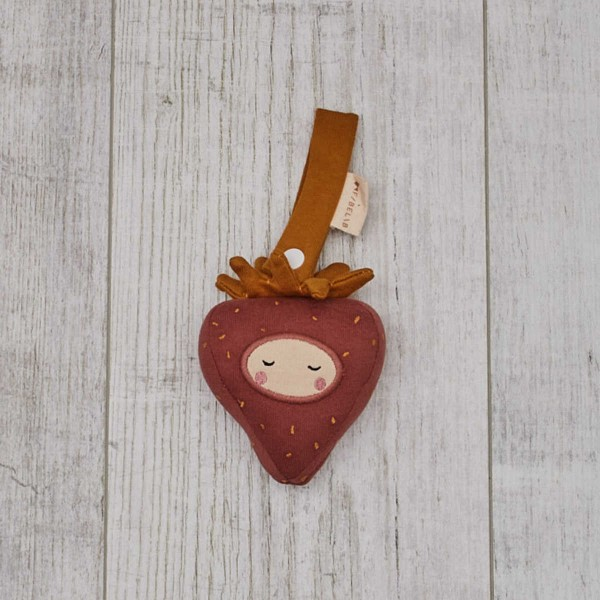 Attachable rattle, strawberry