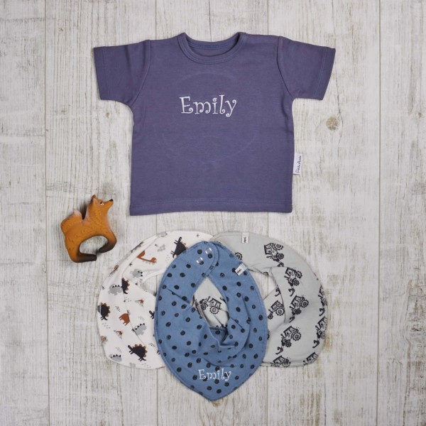 Colored set with t-shirt, teething and bath toys & scarves, blue