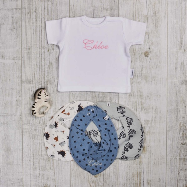 Colored set with t-shirt, bite and bath toys & scarves, white