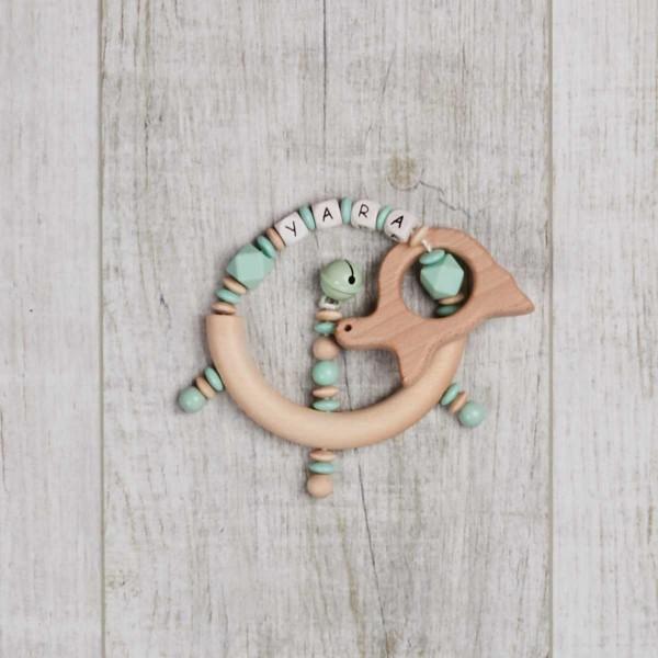 Hochet en bois et silicone avec clochette et tortue, menthe