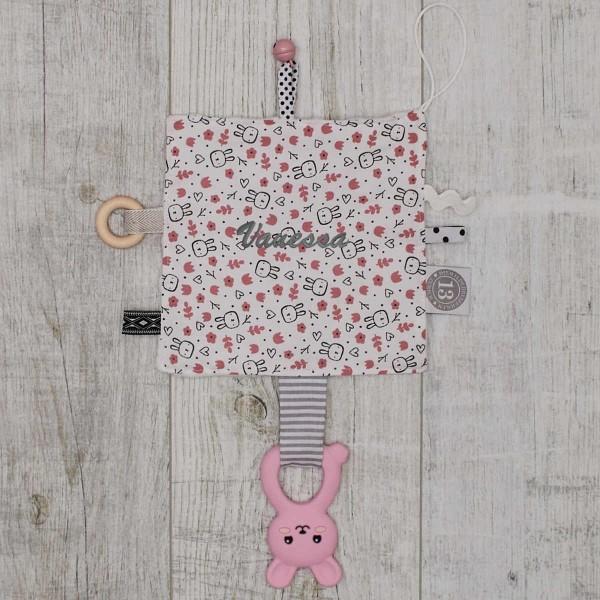 Papier froissé bébé, petit lapin, rose