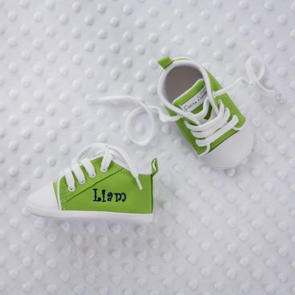 Personalisierte, grüne Babyschuhe