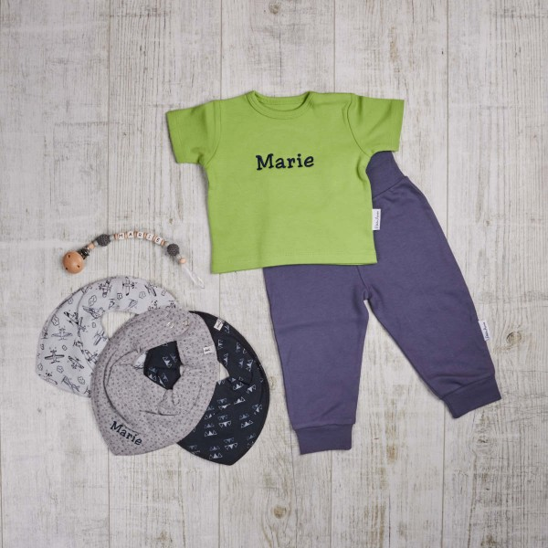 Coloured, set with dummy chain and bibs, green