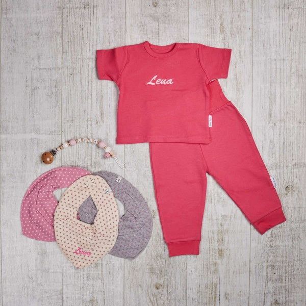 Coloured, set with dummy chain and bibs, fuchsia