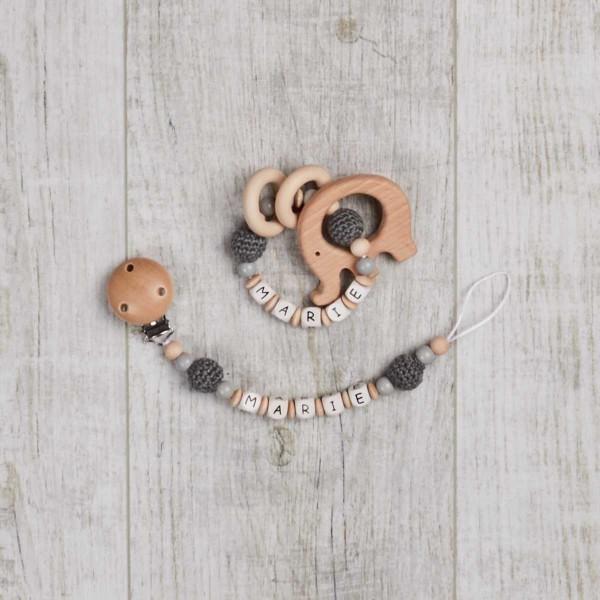 Ensemble 2 pièces, chaîne à lolette et hochet avec éléphant et perles au crochet, naturel/gris
